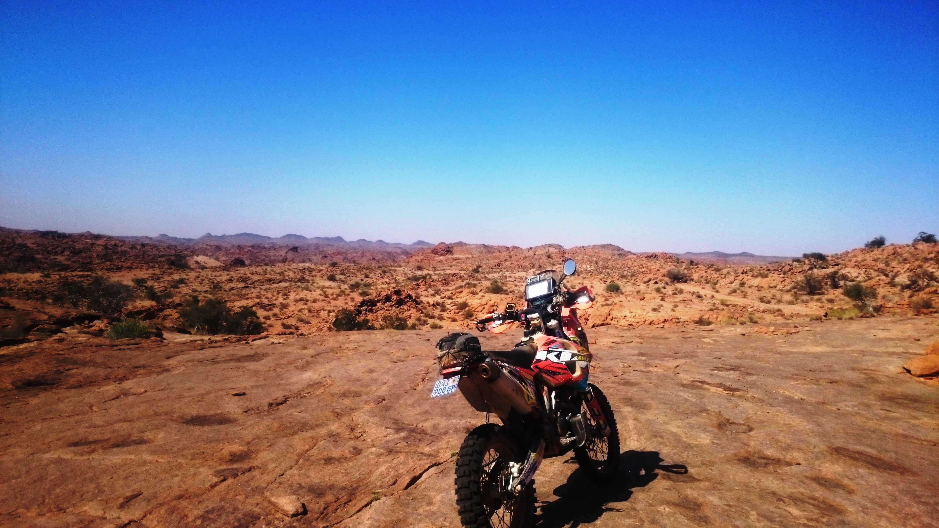 Amageza Rallye: Losing our way & our minds among Sand Monsters & Botswana Daisies